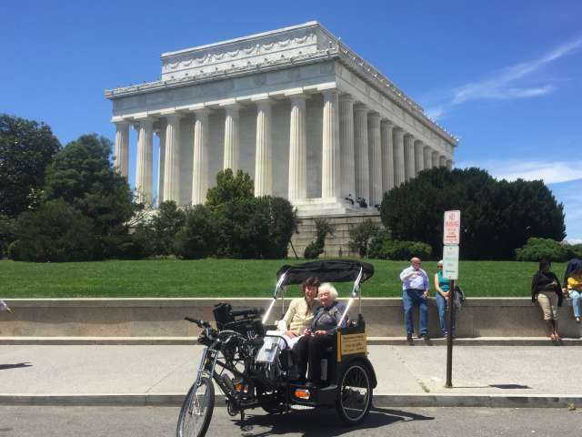 Nonpartisan Pedicab Tour at the Lincoln Memorial